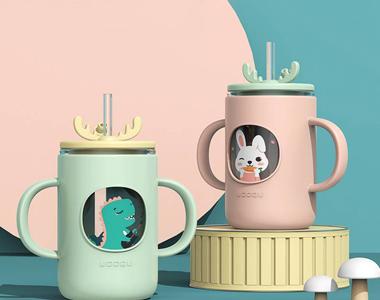 儿童专用牛奶杯淘宝主图设计